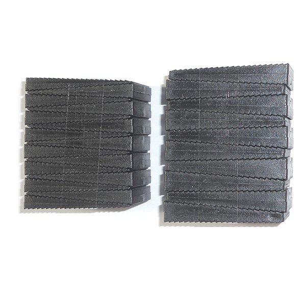 obrázek Plastové distanční klínky černé 25 ks